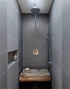 Carrelage Douche à L Italienne : carrelage gris et banc bois dans douche l italienne ~ Dailycaller-alerts.com Idées de Décoration