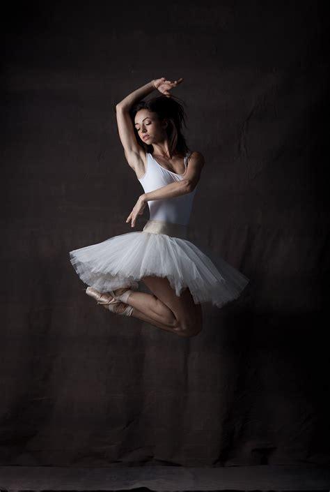 Andreea Olteanu, photographed by Karolina Kuras. | Dance ...