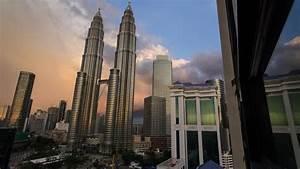 Buildings skyscrapers malaysia petronas towers kuala ...