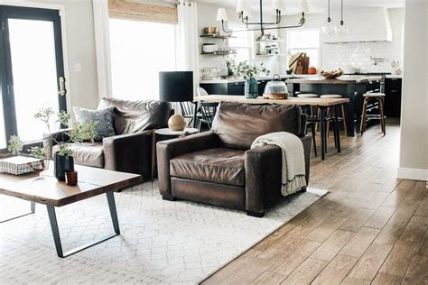 Living Room Layout Exles by 14 Popular Living Room Layouts Accent Chairs 600