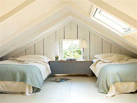 Small Attic Bedroom Design, Tiny Attic Bedrooms Small