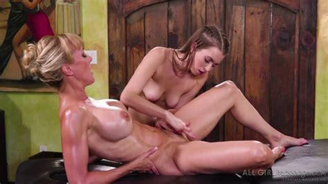 Jill Kassidy Makes Her Hot MILF Customer Brandi Love