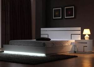 Pied De Lit Lumineux : lit lumineux luminescence le blog deco tendency ~ Melissatoandfro.com Idées de Décoration