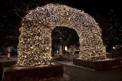 The 20 Best American Towns To Visit During The Christmas