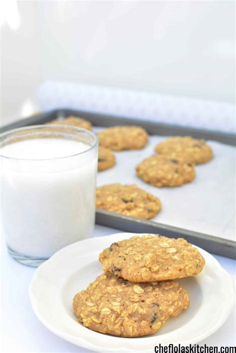 The recipe calls for way fewer oats than most, which, strangely, makes for much better oatmeal cookies. Sugar Free Oatmeal Cookies With Honey (VIDEO)   Chef Lola's Kitchen