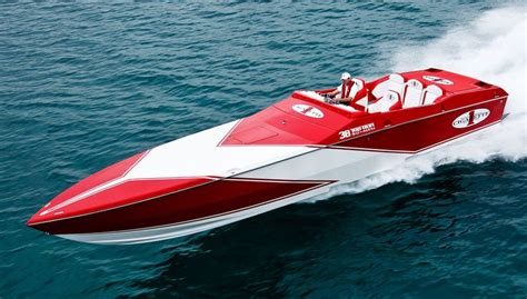 Cigarette Boat Magazine by 1000 Ideas About Power Boats On Power Boats