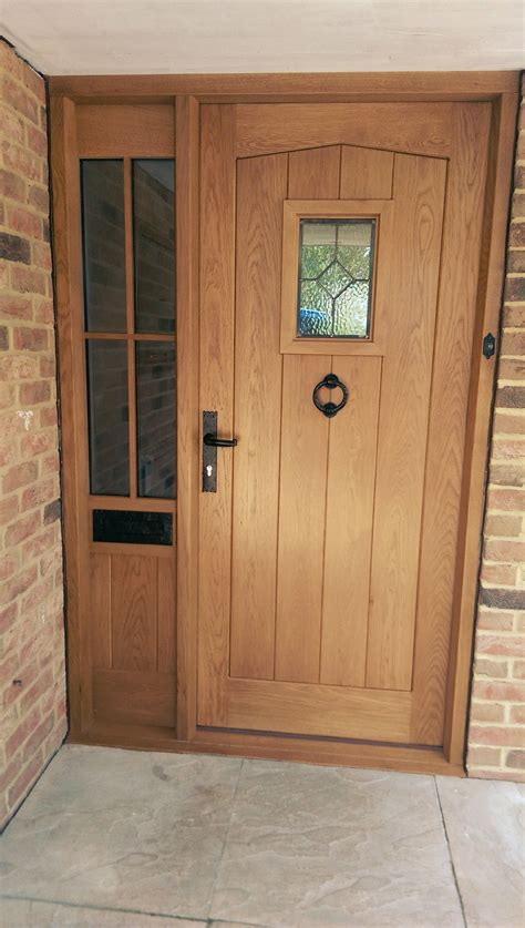 oak front door  frame   glazed sidelight