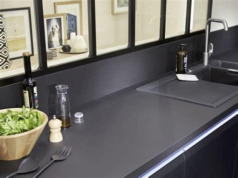 cuisine plan de travail noir relooking industriel dans la cuisine joli place