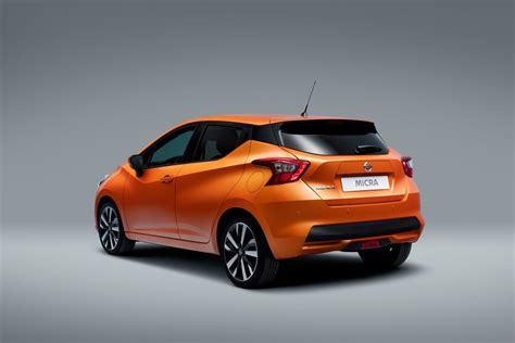 Nissan March 2018 (4/29)