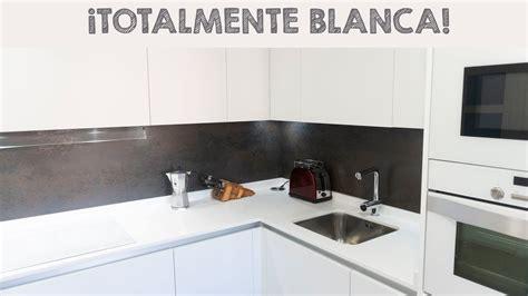 espectacular cocina blanca en forma de  youtube