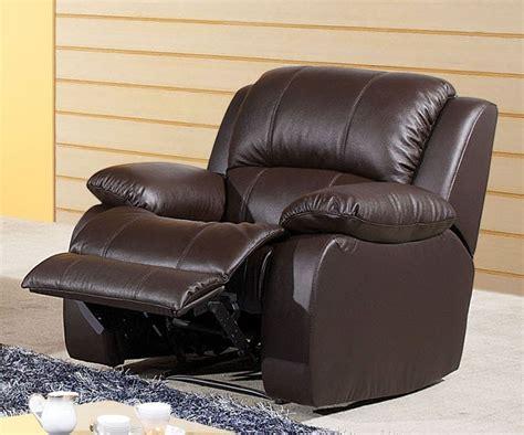 r parer un canap en cuir d chir comment nettoyer fauteuil en cuir 28 images comment