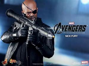 Hot Toys - The Avengers: 1/6th scale Nick Fury Limited ...