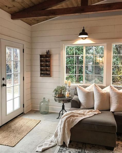 Sunroom Remodel Ideas by Cozy Modern Farmhouse Sunroom Design Ideas 6 Onechitecture