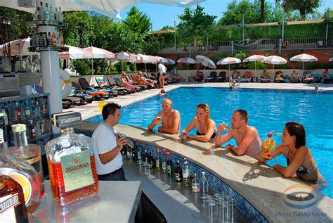 Pool Bar by A La Carte Snack Pool Bar