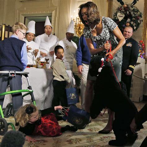 attaque a la maison blanche le chien des obama s attaque aux invit 233 s de la maison blanche