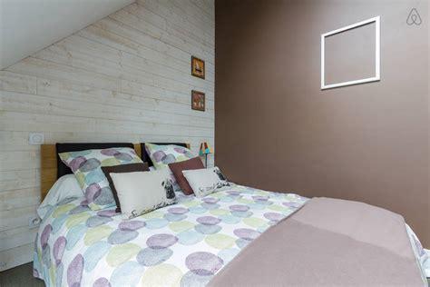 repeindre sa chambre utiliser deux couleurs pour peindre sa chambre comment