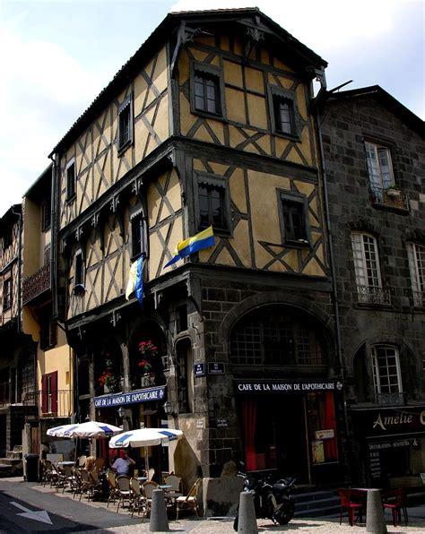 maison de retraite clermont ferrand clermont ferrand viertel montferrand maison de l apothica bild foto denis dontenville