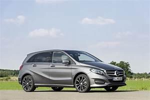 Mercedes Classe B 180 : mercedes benz 2015 b class paris show facelifted benz b class unwrapped goauto ~ Gottalentnigeria.com Avis de Voitures