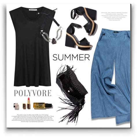 Breathtaking Summer Travel Outfit Ideas For Women Over 45 2018 | Style Debates