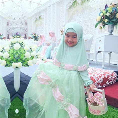foto inspirasi gaun pengantin syari  pernikahan