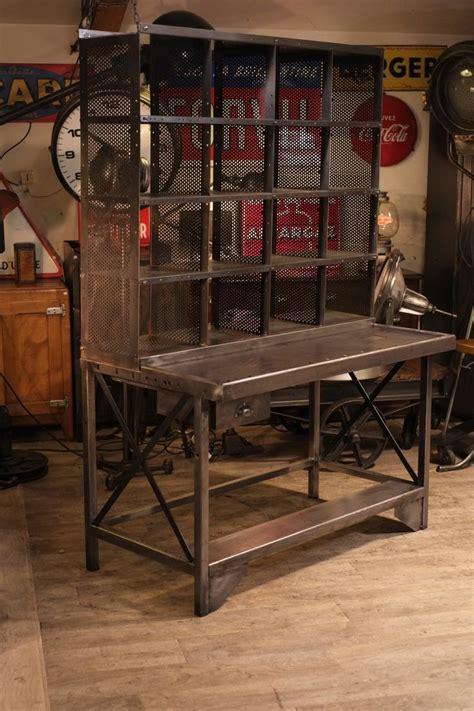 bureau loft meuble de métier ancien bureau de tri postal deco loft