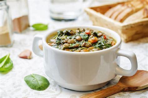 Smelt botter in pot en voeg olyfolie by. Resep Sop Lentil - Best Lentil Soup Recipe Cookie And Kate ...