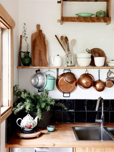 charming farmhouse  shabby chic  rustic touches digsdigs
