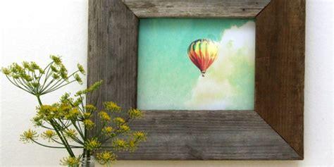remodelaholic easy barn wood frame    picture frame