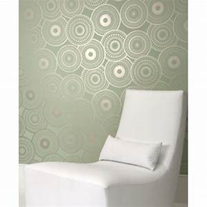 The Pros of Cons of Painting vs. Wallpapering