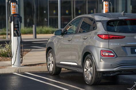 Hyundai Kona 2019 Backgrounds by The 2019 Hyundai Kona Electric Is The Ev Made Normal