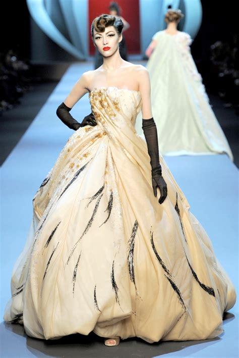 christian fashion designer christian dresses fashion designer guide