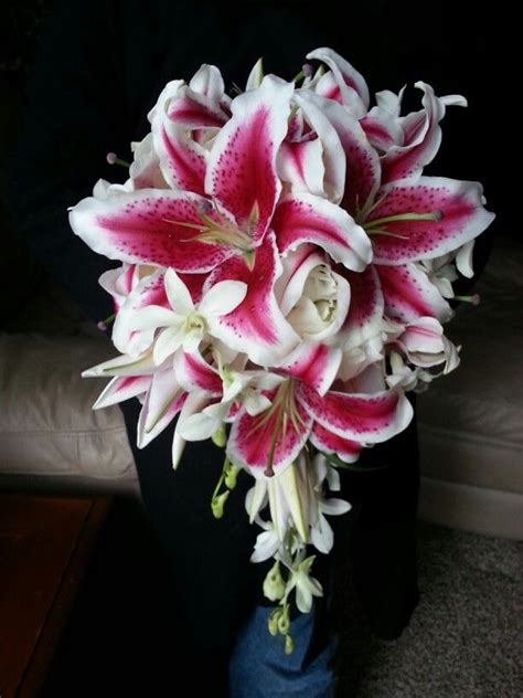 17 Best Ideas About Stargazer Lily Bouquet On Pinterest