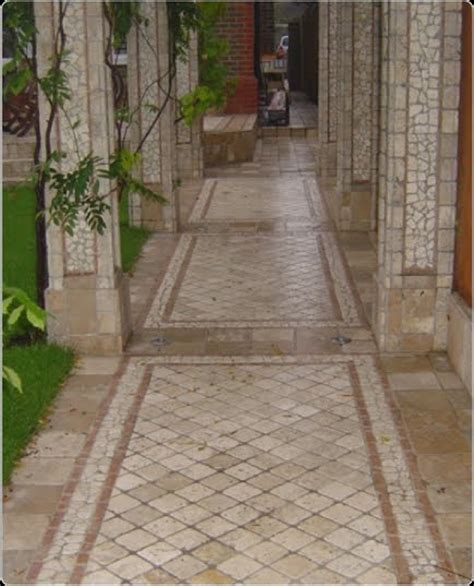 arquitectura de casas mosaico soler 237 a en patio y jard 237 n