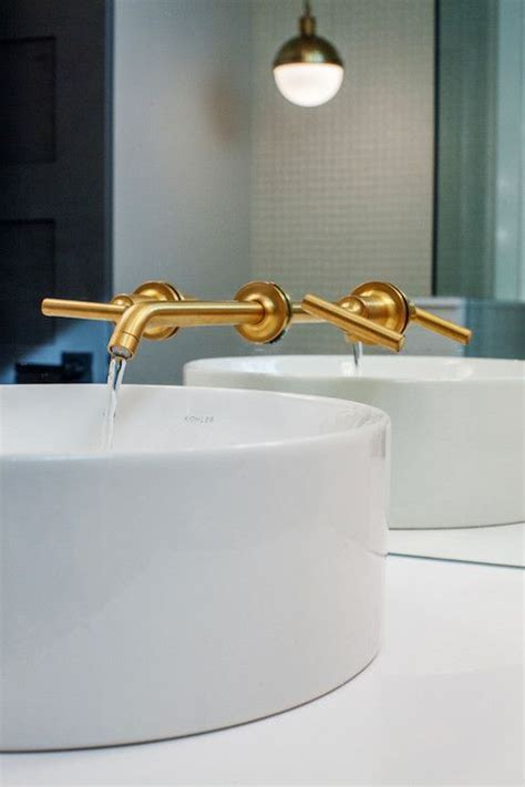 Kohler Purist in Vibrant Moderne Brushed Gold. Powder