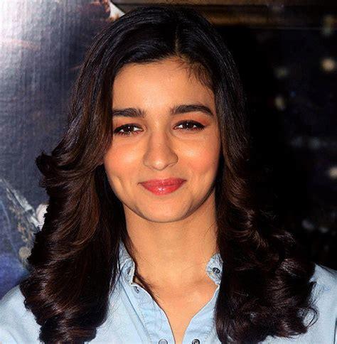 Xxx Star Deepika Padukone Snubbed By Asha Parekh For