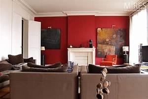 mur rouge canape couleur taupe salon pinterest With couleur papier peint tendance 11 carrelage metro inspiration et idees deco pour cuisine