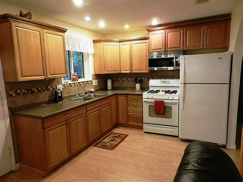 what color to paint kitchen cabinets in small kitchen paint colors with light oak cabinets gosiadesign 9953