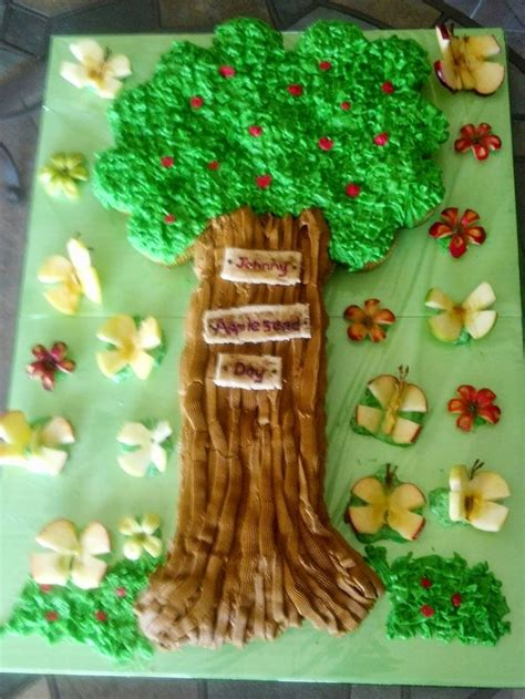 Johnny Appleseed Day Cupcakes | Fresh apple cake, Cupcake ...