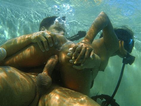underwater blowjob and fucking with this horny asian priva pichunter