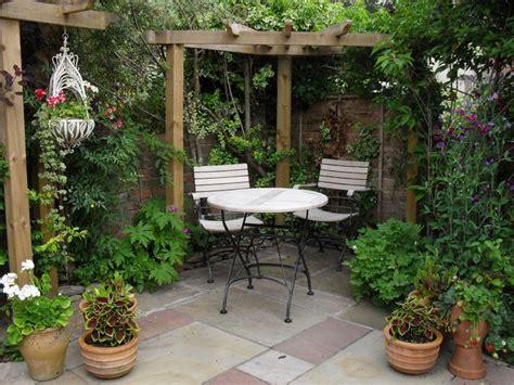 25 beautiful small garden design ideas on