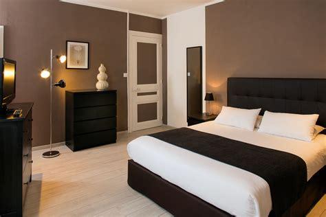 chambre de service chambres climatisées à l hotel les pierres dorées proche lyon