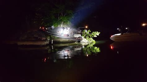 Boating Accident Smith Mountain Lake by Sml Boating Accident Sends Boat Ashore No Injuries Wset