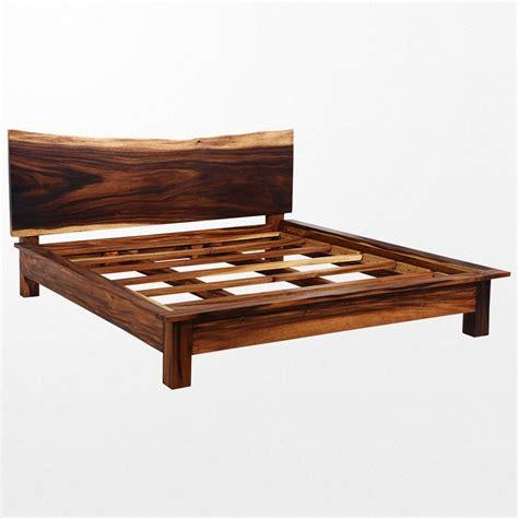 canape et fauteuil vous allez craquer pour ce lit en bois massif original