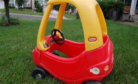 si鑒e auto enfants une voiturette d enfant grandeur adulte cozy coupe autofocus ca