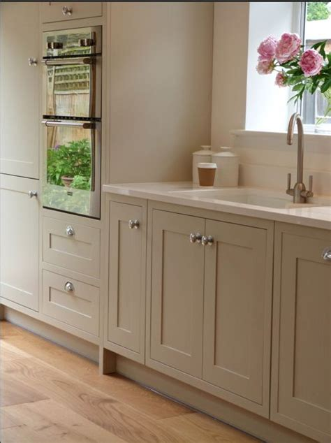kitchen cabinet shaker style 17 best ideas about shaker style kitchens on 5746