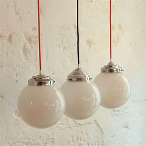 Suspension Boule Blanche : ancienne lampe suspension globe abat jour boule en verre ~ Teatrodelosmanantiales.com Idées de Décoration