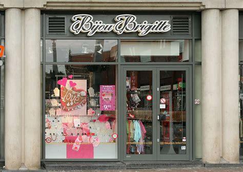 Shops0037 - Free Background Texture - shops facade shop ...