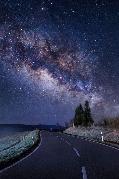 tail the milky way galaxy under stars