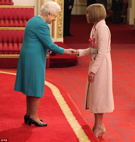 Anna Wintour is made a Dame at Buckingham Palace | Daily ...
