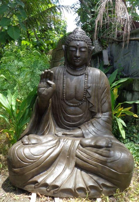 statue de bouddha assis en fibre de verre position